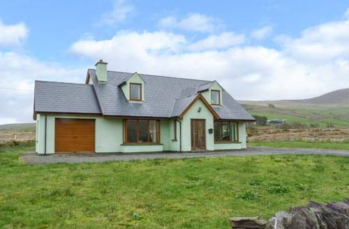 Snaptrip - Last minute cottages - Luxury  House S5550 -