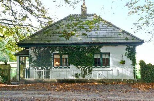 Snaptrip - Last minute cottages - Quaint  Gatehouse S5884 -