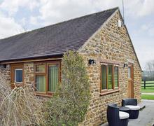 Snaptrip - Last minute cottages - Inviting Warwick Cottage S49722 -