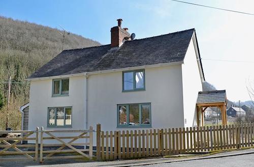 Snaptrip - Last minute cottages - Stunning Knighton Cottage S49835 -