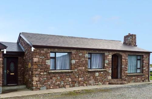 Snaptrip - Last minute cottages - Exquisite  Cottage S5595 -