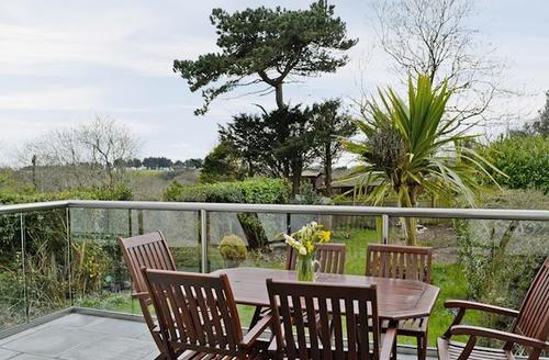Snaptrip - Last minute cottages - Gorgeous Swansea Cottage S50064 -