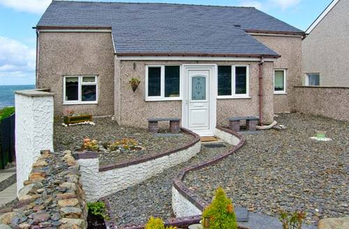 Snaptrip - Last minute cottages - Beautiful Llwyngwril Rental S5612 -
