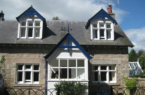 Snaptrip - Last minute cottages - Wonderful Aboyne Cottage S7251 -