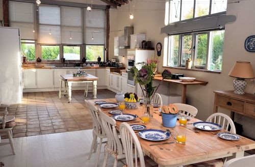 Snaptrip - Last minute cottages - Luxury Norwich Barn S7570 -