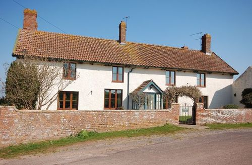 Snaptrip - Last minute cottages - Captivating Bridgwater House S8796 -