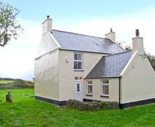 Snaptrip - Last minute cottages - Quaint Llanfairpwllgwyngyll Rental S5646 -