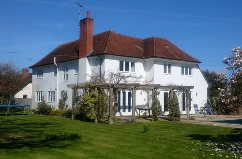 Snaptrip - Last minute cottages - Exquisite Chichester House S45634 -