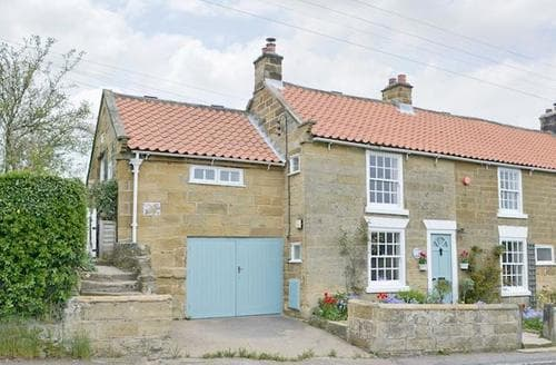 Snaptrip - Last minute cottages - Superb Brompton Cottage S50421 -