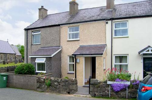 Snaptrip - Last minute cottages - Gorgeous Caernarfon Twm S5704 -