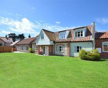 Snaptrip - Last minute cottages - Delightful Burnham Market Rental S26833 - Exterior