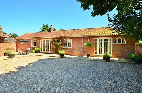 Snaptrip - Last minute cottages - Charming Billingford Rental S11762 - Exterior View