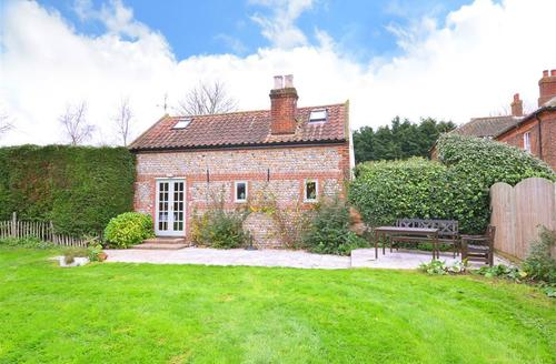 Snaptrip - Last minute cottages - Lovely Ridlington Rental S13028 - Exterior
