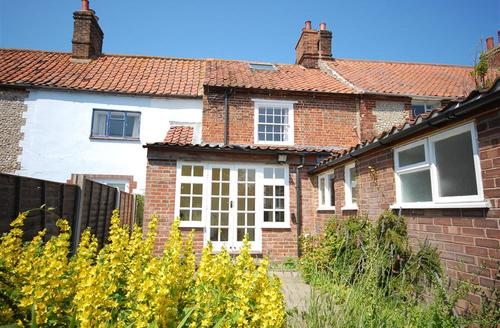 Snaptrip - Last minute cottages - Gorgeous Cley Rental S11862 - Exterior view