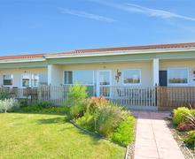 Snaptrip - Last minute cottages - Tasteful Bacton Rental S25748 - Exterior