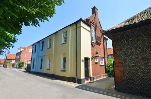 Snaptrip - Last minute cottages - Delightful Wells Rental S12015 - Exterior