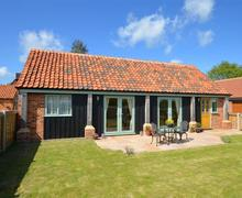 Snaptrip - Last minute cottages - Lovely Worstead Rental S11817 - Exterior
