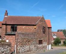 Snaptrip - Last minute cottages - Tasteful Old Hunstanton Rental S11789 - Exterior View - View 1