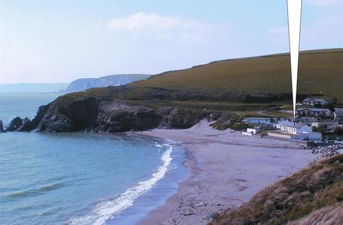 Snaptrip - Last minute cottages - Quaint Kingsbridge Cottage S43864 -  holiday property in challaborough bay on beach