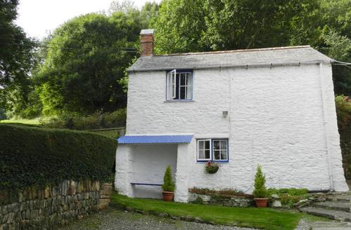 Snaptrip - Last minute cottages - Inviting Combe Martin Cottage S43874 - Holiday cottage overlooking Combe Martin Bay