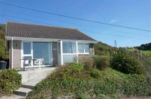 Snaptrip - Last minute cottages - Delightful Portwrinkle Cottage S43044 -