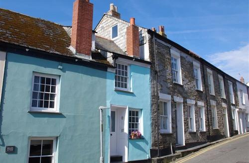 Snaptrip - Last minute cottages - Inviting Padstow Cottage S42831 - External
