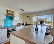 Snaptrip - Last minute cottages - Attractive St Ives Carbis Bay Lelant Apartment S43888 - Holiday let with fully equipped kitchen