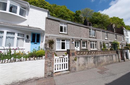 Snaptrip - Last minute cottages - Gorgeous Polperro Cottage S42946 - External