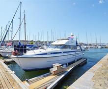 Snaptrip - Last minute cottages - Superb Plymouth Lodge S42877 - Boat Exterior View 3