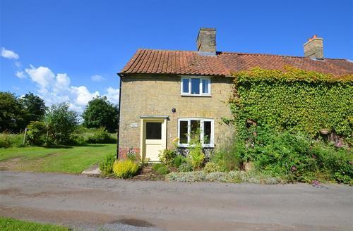 Snaptrip - Last minute cottages - Charming Great Massingham Rental S11702 - Exterior