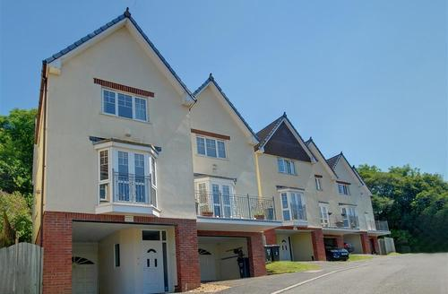 Snaptrip - Last minute cottages - Quaint Ilfracombe Rental S12249 - NEWB Newberry Bay View 1 copy