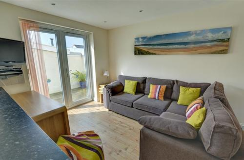 Snaptrip - Last minute cottages - Charming Woolacombe Rental S12101 - Open Plan Sitting Area