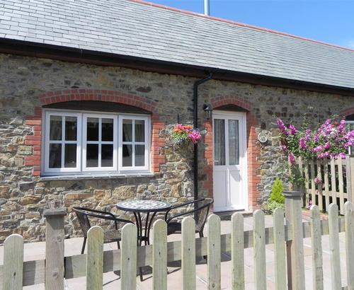 Inviting bude cottage s43920 laity cottage bude devon for Country cottage kennel