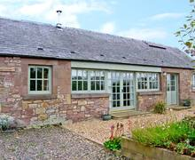 Snaptrip - Last minute cottages - Lovely Duns Heritage S5818 -