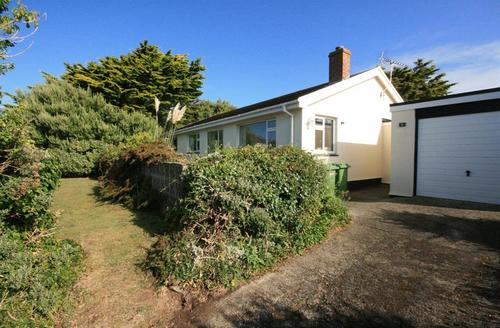 Snaptrip - Last minute cottages - Stunning Polzeath Cottage S43925 - Self catering cottage exterior Polzeath