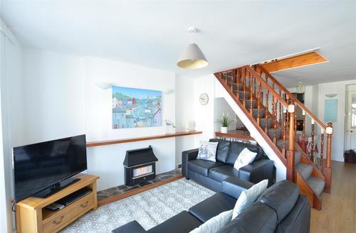 Snaptrip - Last minute cottages - Exquisite Looe Cottage S42787 - L30012 - Living Room