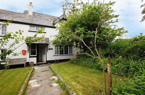 Snaptrip - Last minute cottages - Inviting Camelford Cottage S42861 - External - View 1