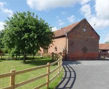 Snaptrip - Last minute cottages - Captivating Kettleburgh Rental S26759 - Exterior