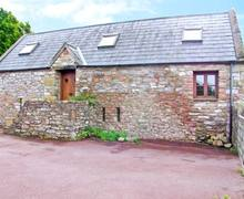 Snaptrip - Last minute cottages - Exquisite Bridgend Barn S5844 -