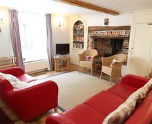 Snaptrip - Last minute cottages - Splendid Deal Cottage S50671 -