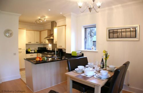 Snaptrip - Last minute cottages - Superb Canterbury Cottage S50680 - Dine in style at the lovely Bellflower Mews, Canterbury