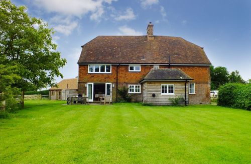 Snaptrip - Last minute cottages - Adorable Iden Cottage S50684 - Welcome to Bosney Farmhouse, Iden, Sussex