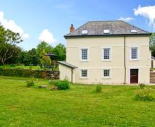 Snaptrip - Last minute cottages - Delightful Whitland Gorwen S5879 -