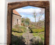 Snaptrip - Last minute cottages - Splendid Viney Hill Cottage S50775 -