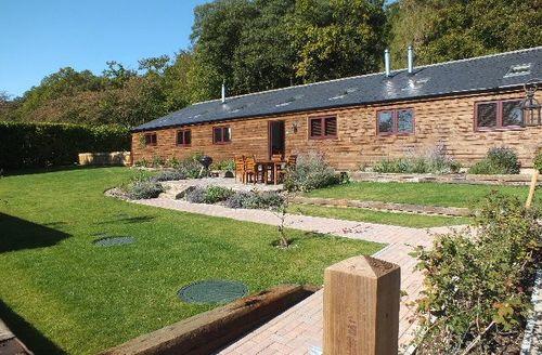 Snaptrip - Last minute cottages - Beautiful West Studdal Cottage S50897 -