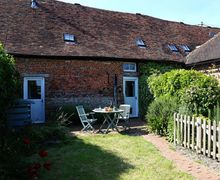 Snaptrip - Last minute cottages - Attractive East Brabourne Cottage S51045 -