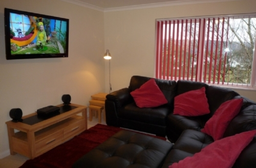 Snaptrip - Last minute cottages - Adorable Windermere Court S258 - Cumbria Court, Lounge, Lakes Cottage Holidays