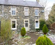 Snaptrip - Last minute cottages - Delightful Peebles Flat S5955 -