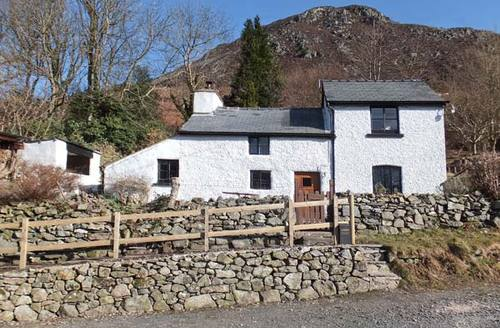 Snaptrip - Last minute cottages - Exquisite Oswestry Hyfryd S5958 -