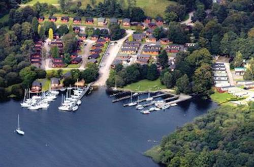 Snaptrip - Last minute cottages - Charming Lake Windermere Lodge S51228 - The park setting